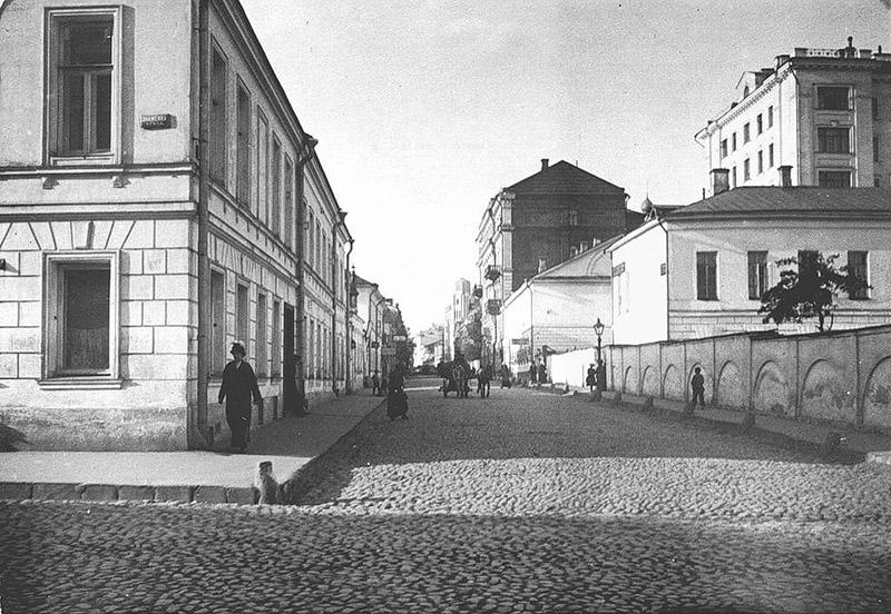Old Moscow: Krestovozdvizhensky Lane