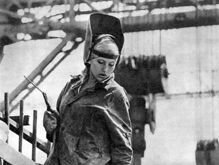 A woman-welder