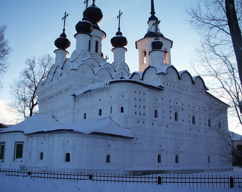 Veliky Ustyug: A northern city with old beautiful monasteries - 01