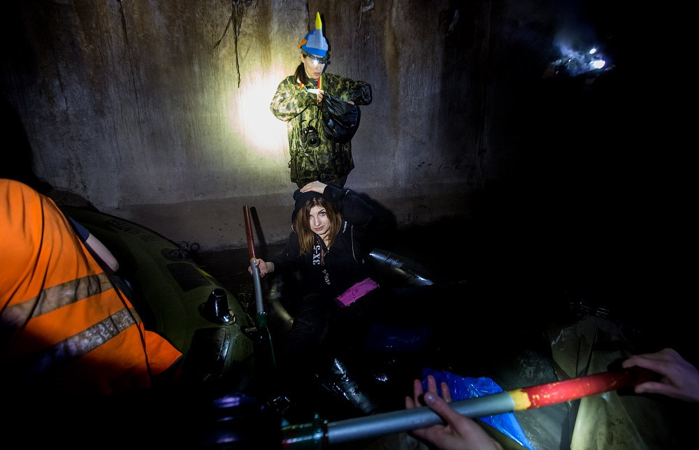 Russian rafting style: How guys have fun under the ground - 16