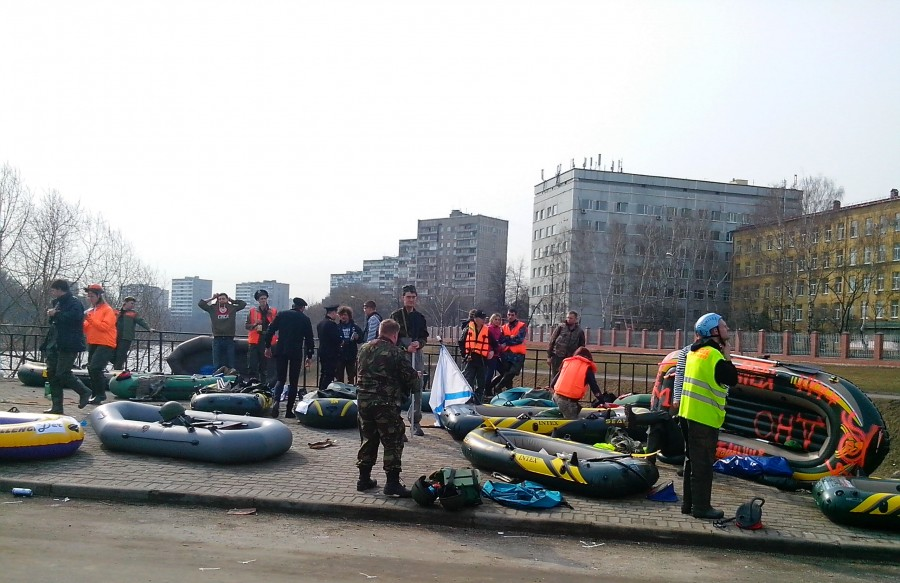 Russian rafting style: How guys have fun under the ground - 02
