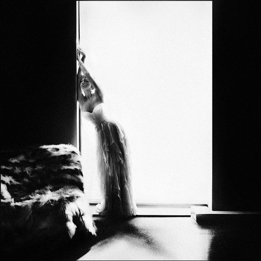 Black, grey, and white: Pensive photography art by Evgeniya Rudaya - 20