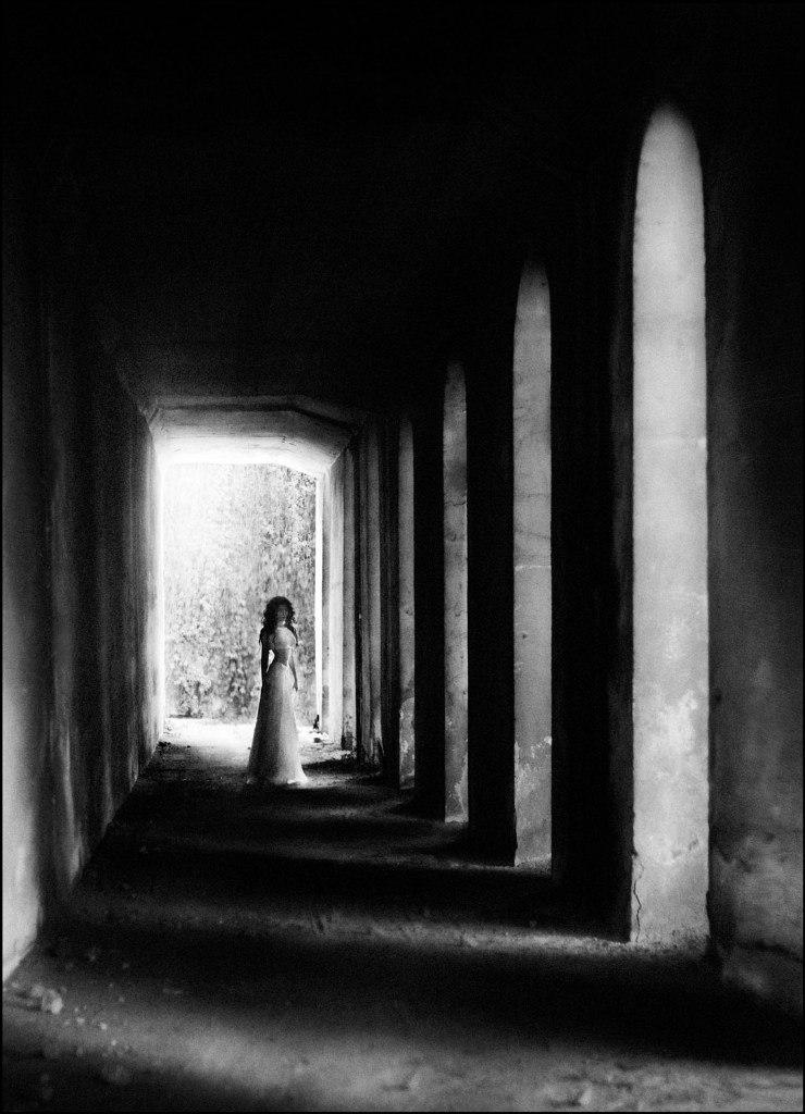 Black, grey, and white: Pensive photography art by Evgeniya Rudaya - 32