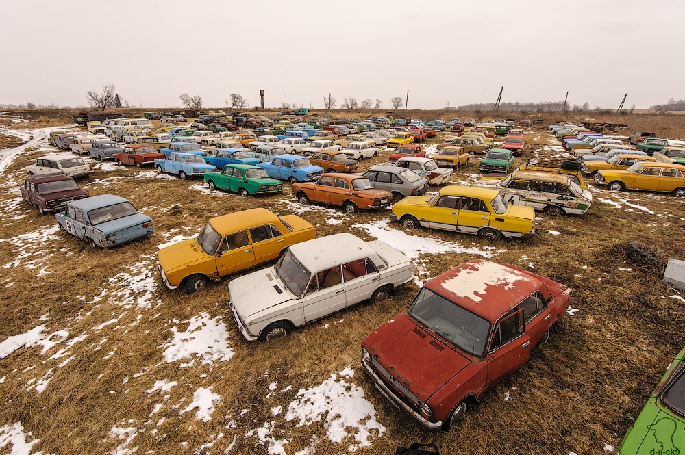 Cars cemetery: Dying unique old vehicles of Soviet Russia - 01