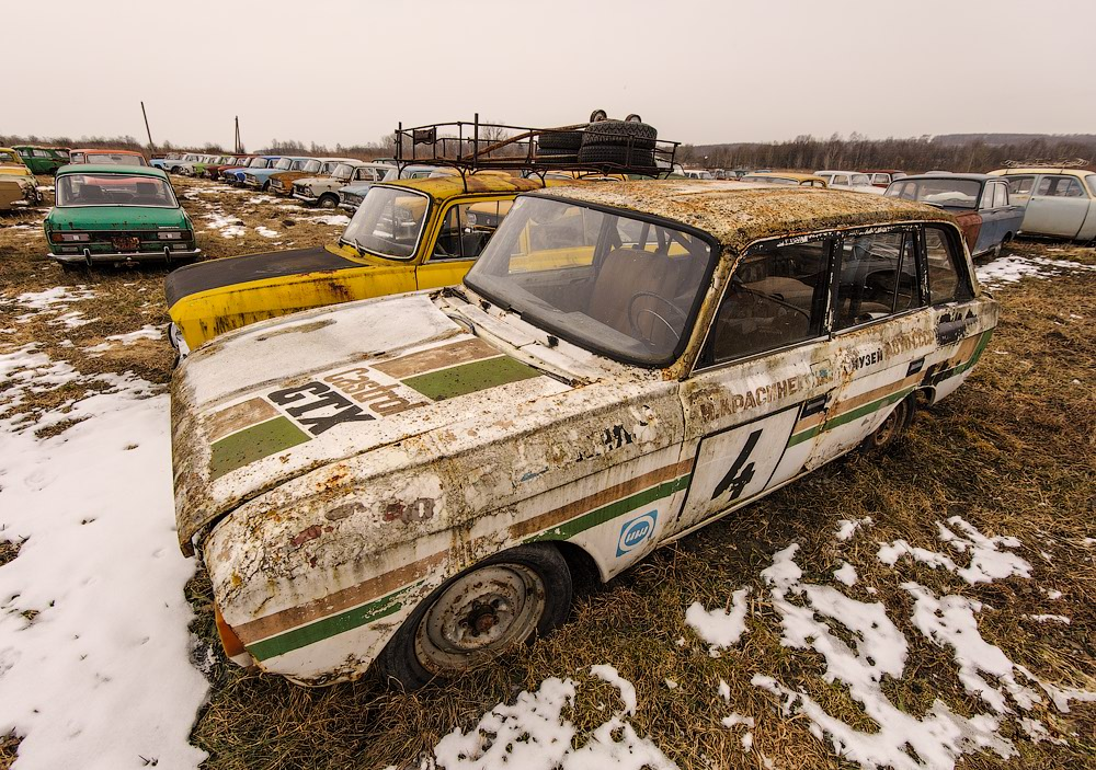 Cars cemetery: Dying unique old vehicles of Soviet Russia - 16