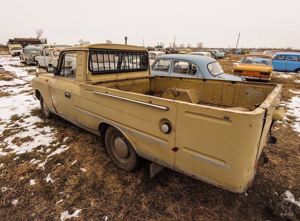 Cars cemetery: Dying unique old vehicles of Soviet Russia - 35