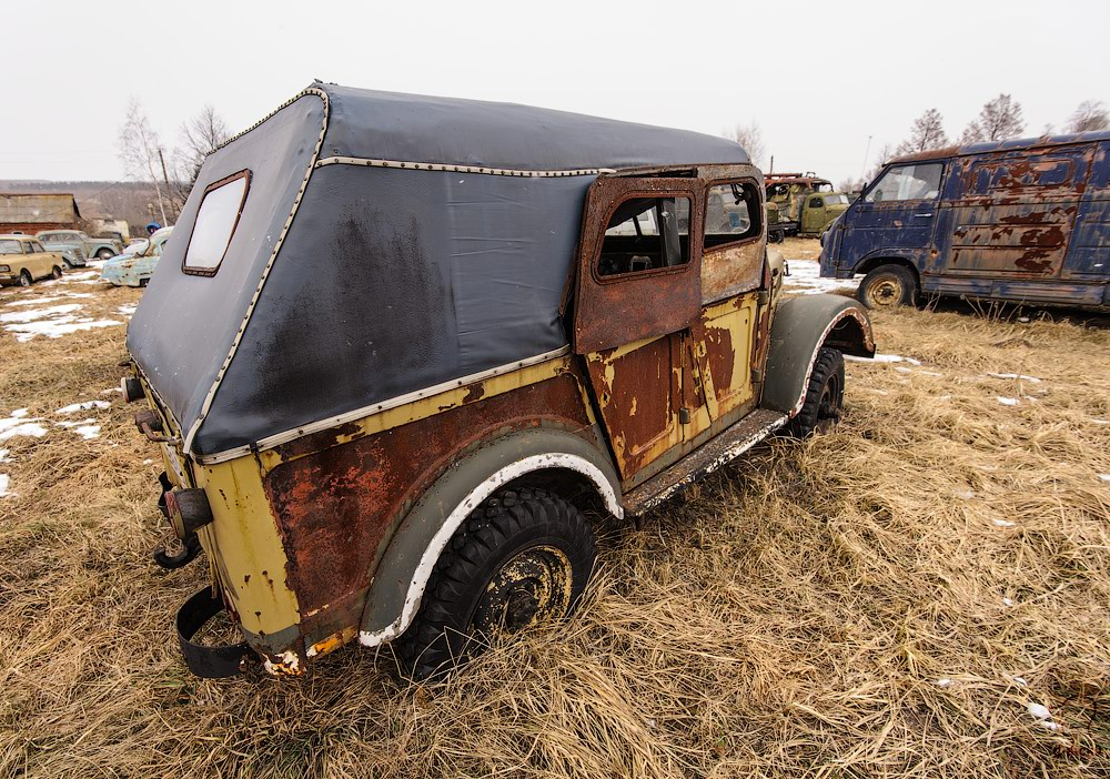 Cars cemetery: Dying unique old vehicles of Soviet Russia - 39