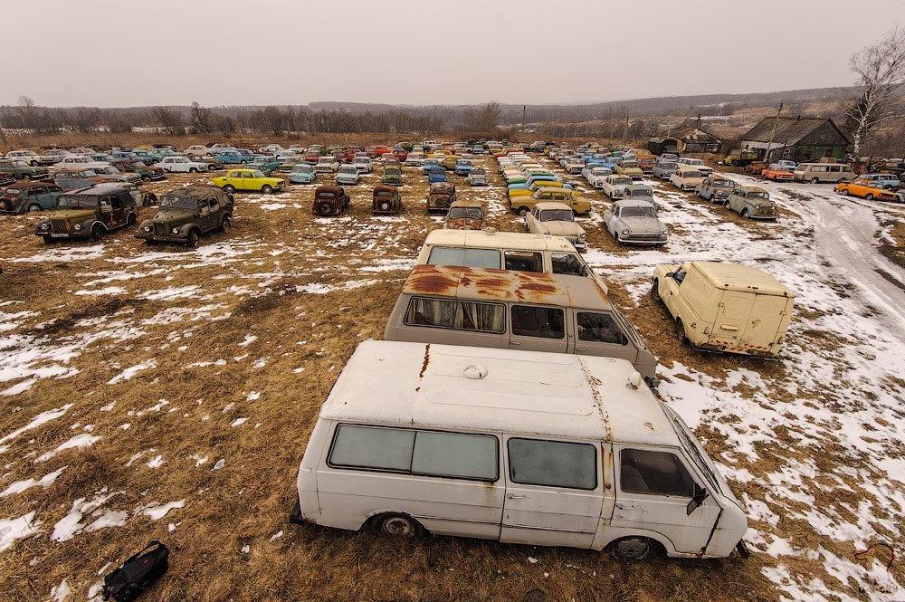 Cars cemetery: Dying unique old vehicles of Soviet Russia - 43