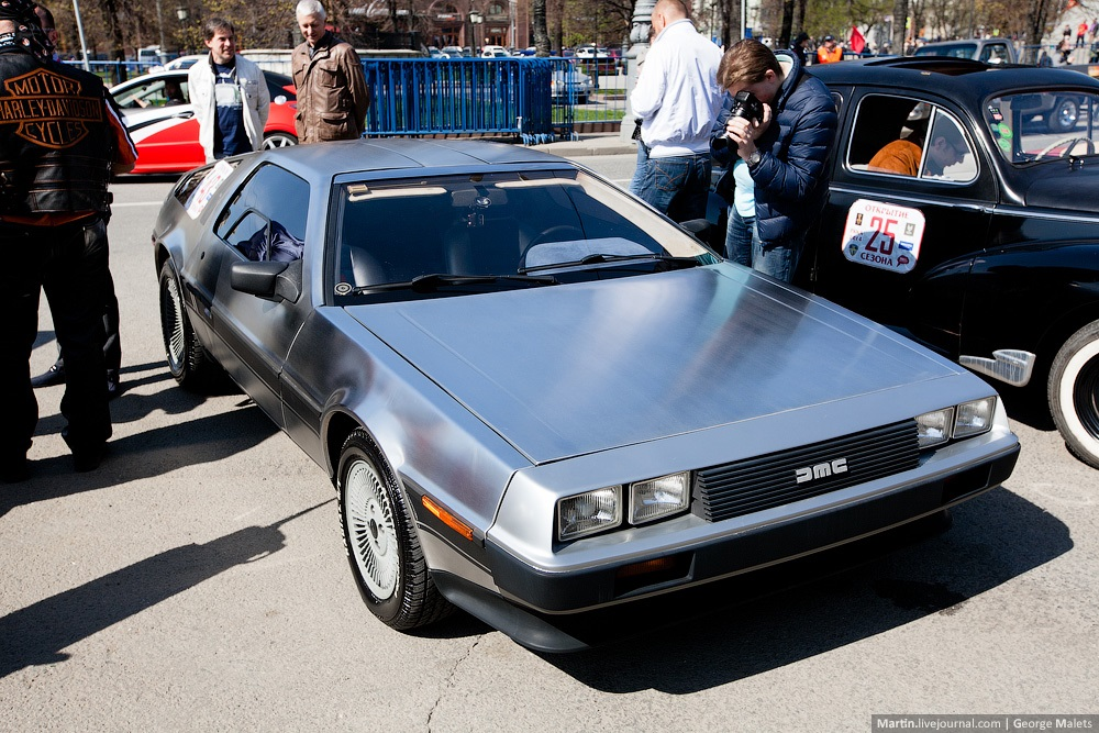 DeLorean and 49 other unique old cars on the Retro Rally in Moscow - 06