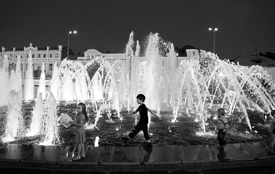 Enchanting Astrakhan: Glorious black and white photos of the city - 30