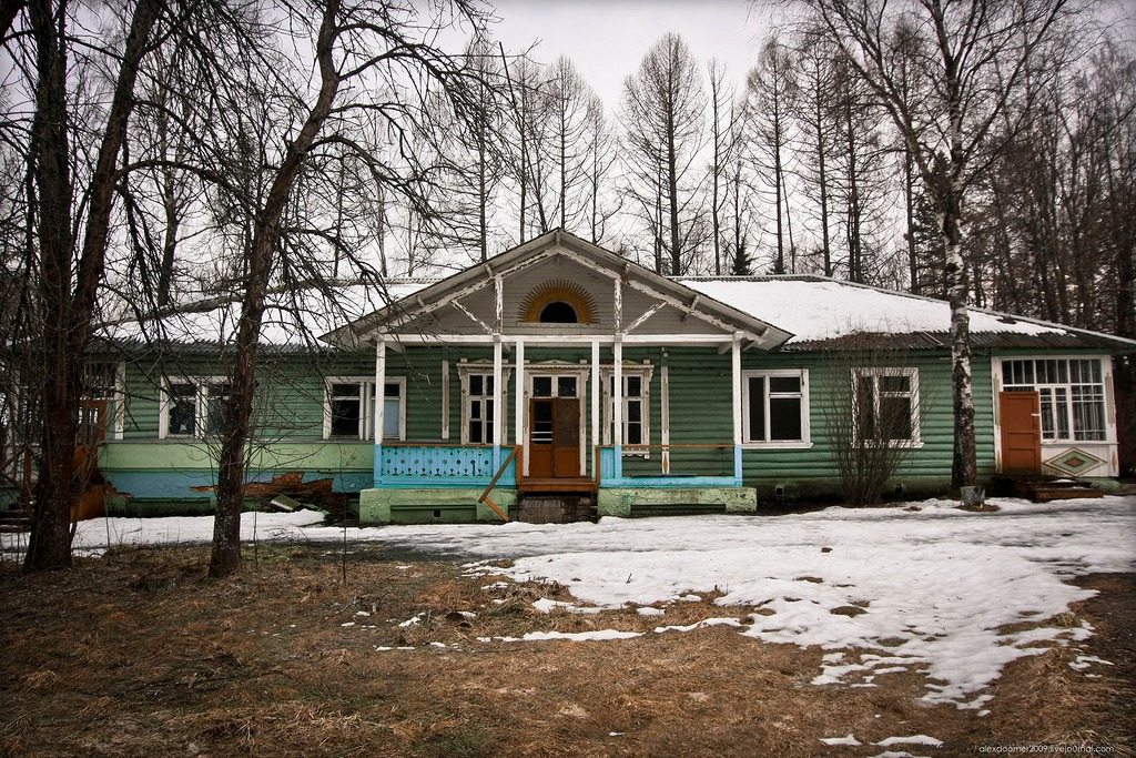 Ennui and nostalgia: Abandoned pioneer camp in Moscow Region - 18