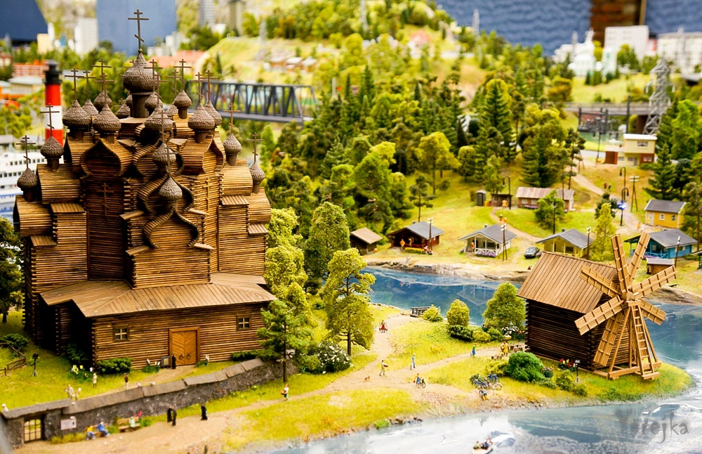 Grand model Russia: A huge detailed model of Russian urban life - 14
