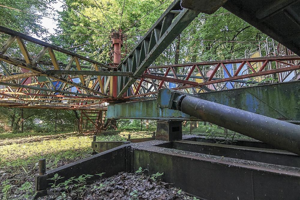 Lost childhood: Abandoned amusement park in Saint Petersburg - 01