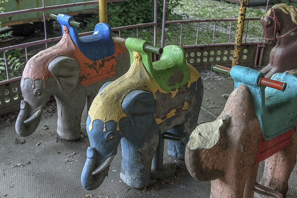 Lost childhood: Abandoned amusement park in Saint Petersburg - 08