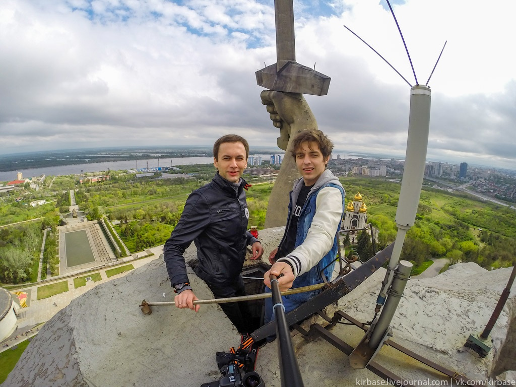 Climbing on top of the Motherland Calls Monument in Volgograd - 17