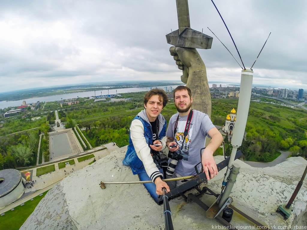 Climbing on top of the Motherland Calls Monument in Volgograd - 18