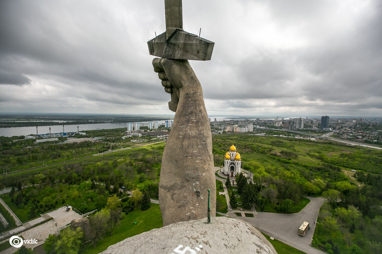 Climbing on top of the Motherland Calls Monument in Volgograd - 27