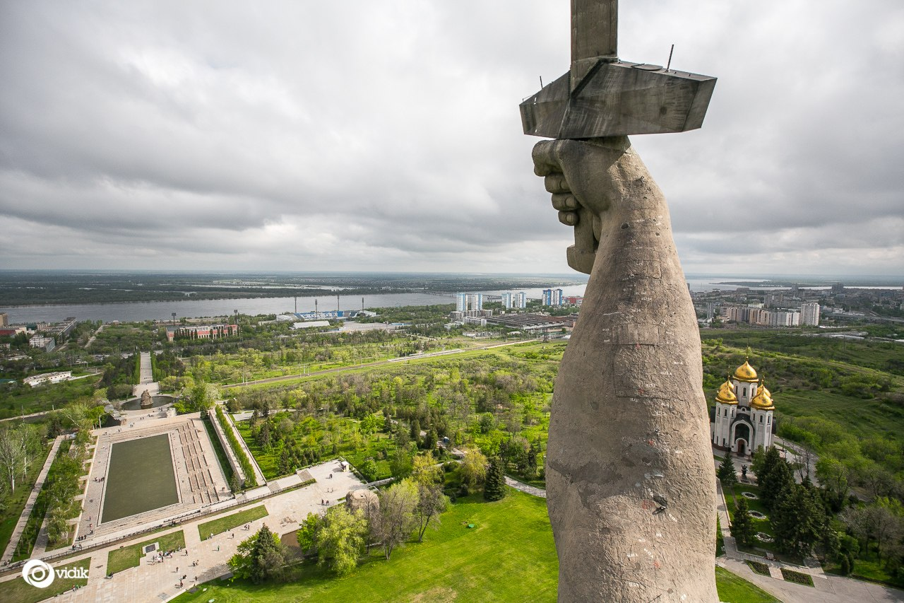 Climbing on top of the Motherland Calls Monument in Volgograd - 28