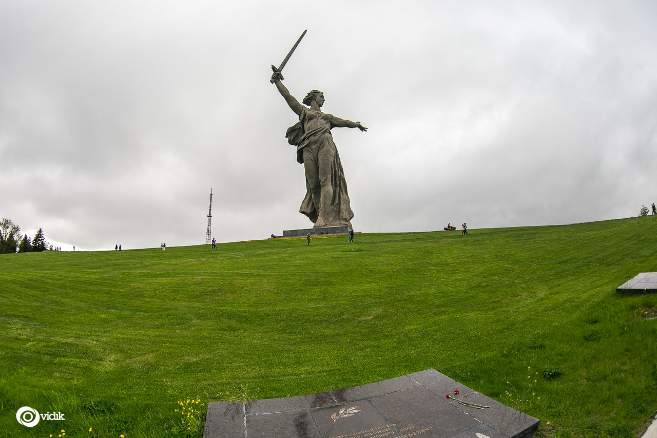 Climbing on top of the Motherland Calls Monument in Volgograd - 33