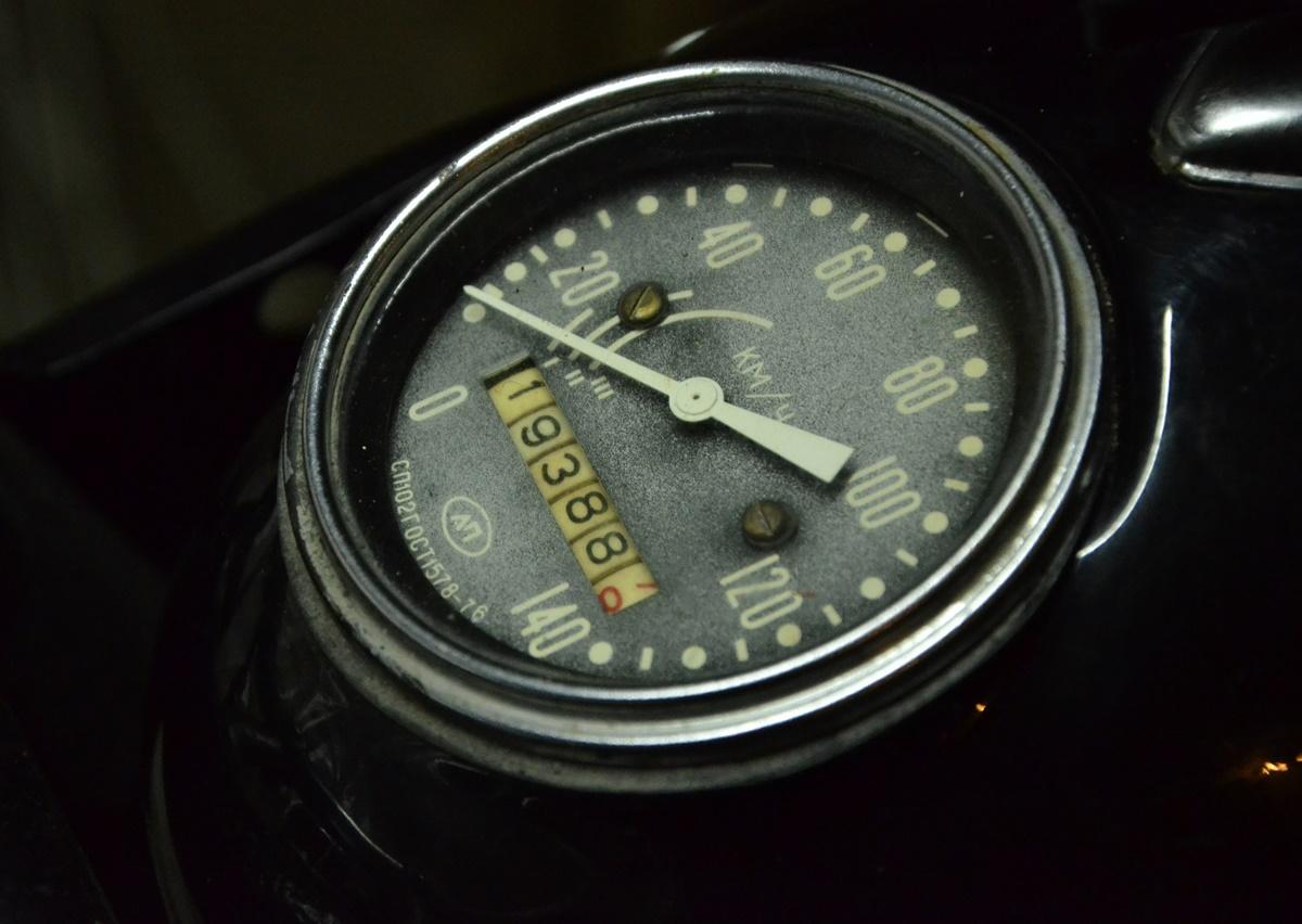 Falcon 650: Unique Belarusian design of an old Dnepr motorcycle - 02