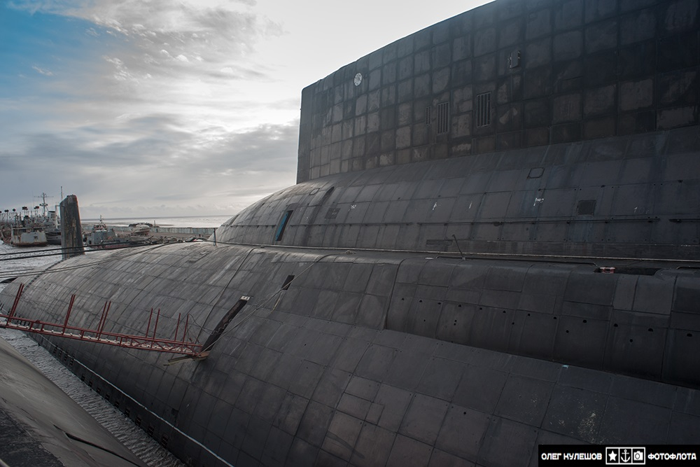Inside a giant: Russian typhoon-class submarine TK-17 Arkhangelsk - 05