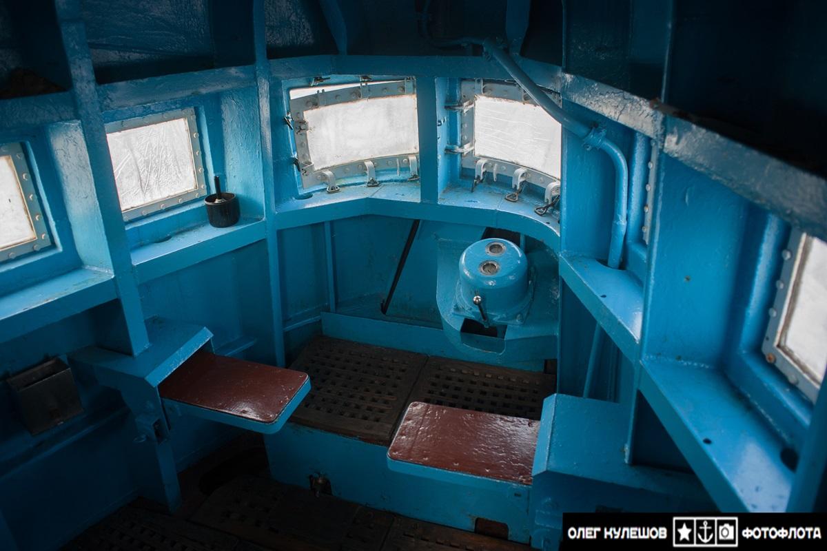 Inside a giant: Russian typhoon-class submarine TK-17 Arkhangelsk - 09