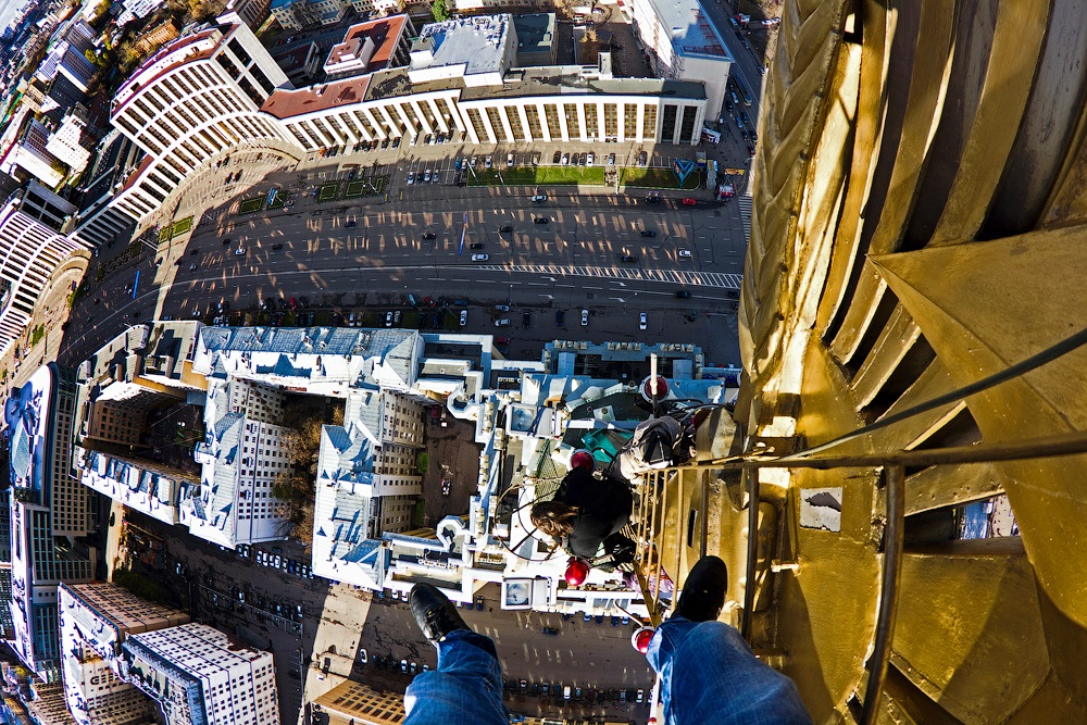 Breathtaking height: Photos by a Russian thrill seeker Marat Dupri - 31