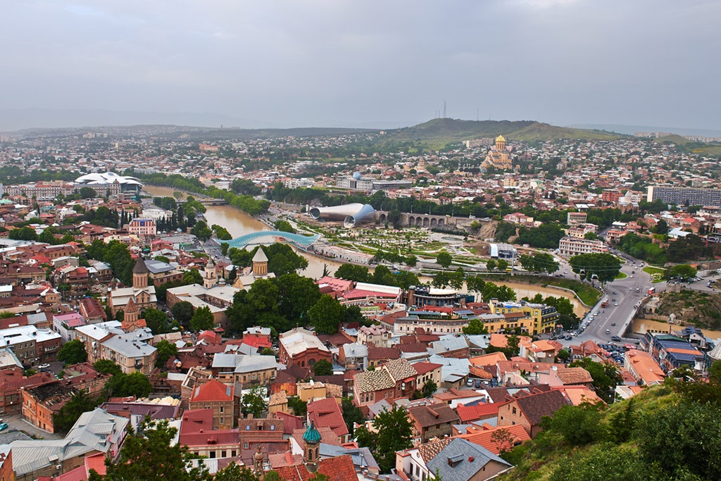 Different Tbilisi: The disappearing and recovering capital of Georgia - 01