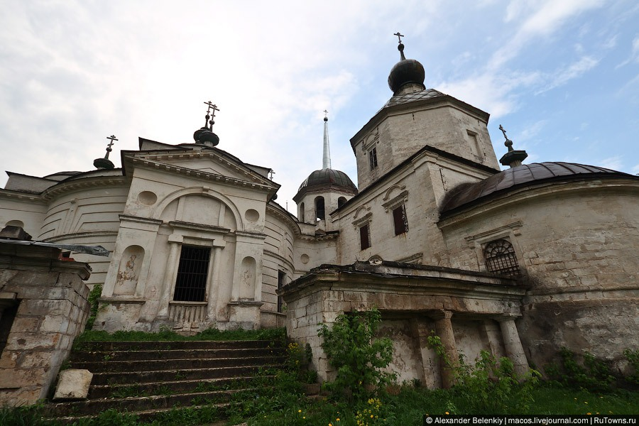 God-forsaken: Abandoned churches and cathedrals of Russia - 04
