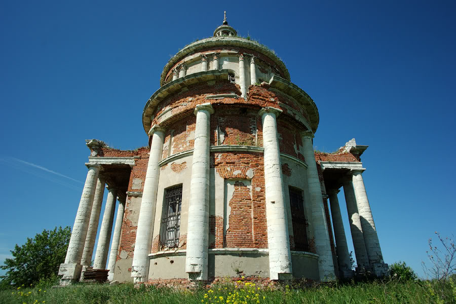 God-forsaken: Abandoned churches and cathedrals of Russia - 09
