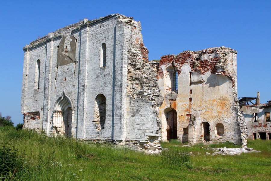 God-forsaken: Abandoned churches and cathedrals of Russia - 16