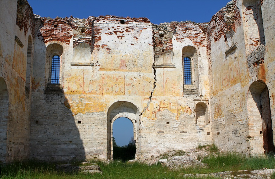 God-forsaken: Abandoned churches and cathedrals of Russia - 17
