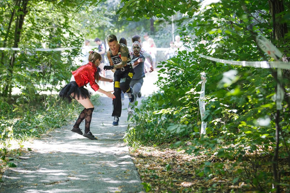 Enchanted race: Zombie attack in the Sokolniki Park in Moscow - 10