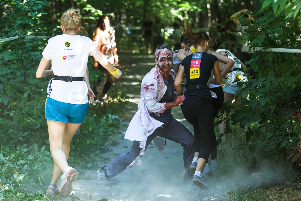 Enchanted race: Zombie attack in the Sokolniki Park in Moscow - 11