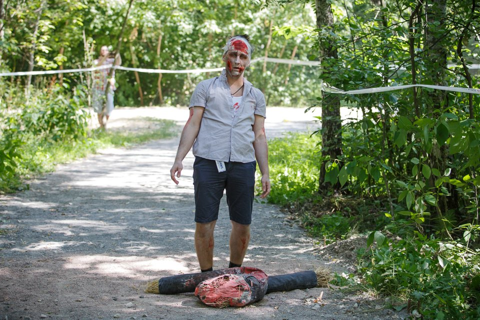 Enchanted race: Zombie attack in the Sokolniki Park in Moscow - 09