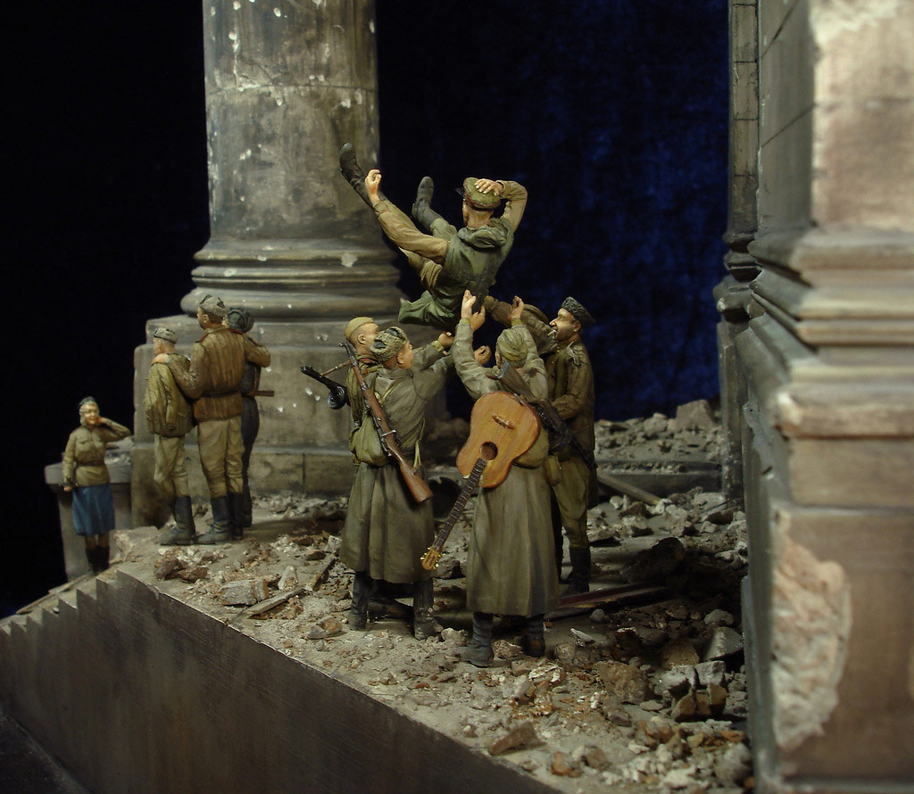 Stalingrad - Berlin: Double model of two moments of World War II - 45