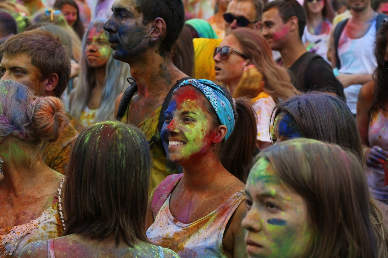 Bright summer: The festival of colours Holi in the capital of Ukraine - 11