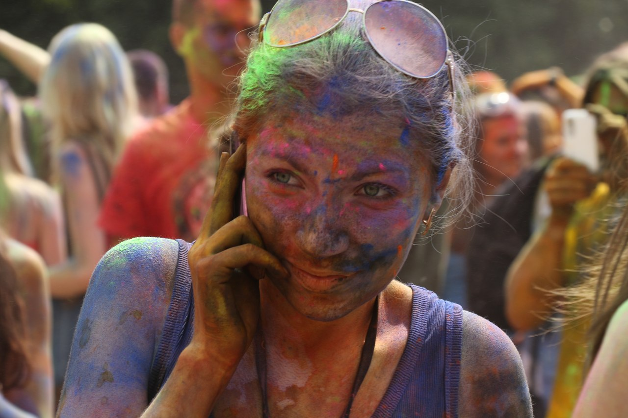 Bright summer: The festival of colours Holi in the capital of Ukraine - 12