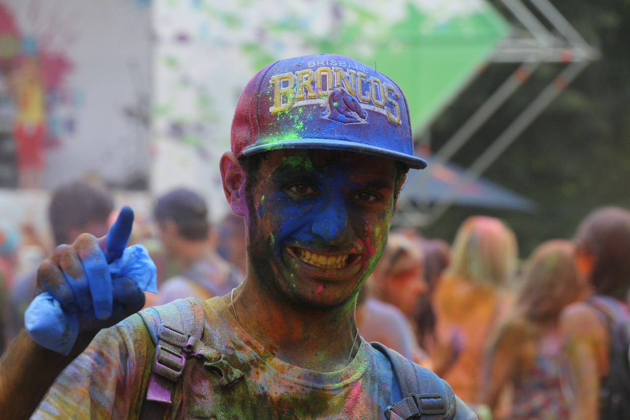 Bright summer: The festival of colours Holi in the capital of Ukraine - 14