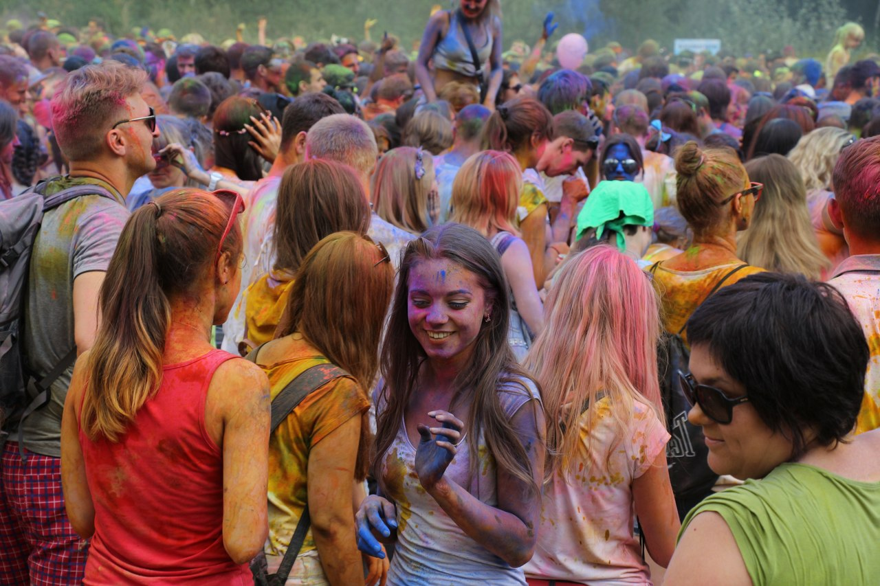 Bright summer: The festival of colours Holi in the capital of Ukraine - 21
