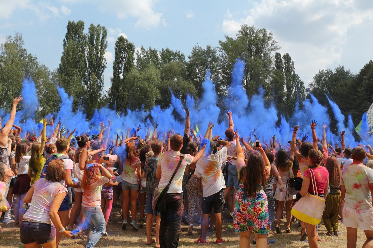Bright summer: The festival of colours Holi in the capital of Ukraine - 28