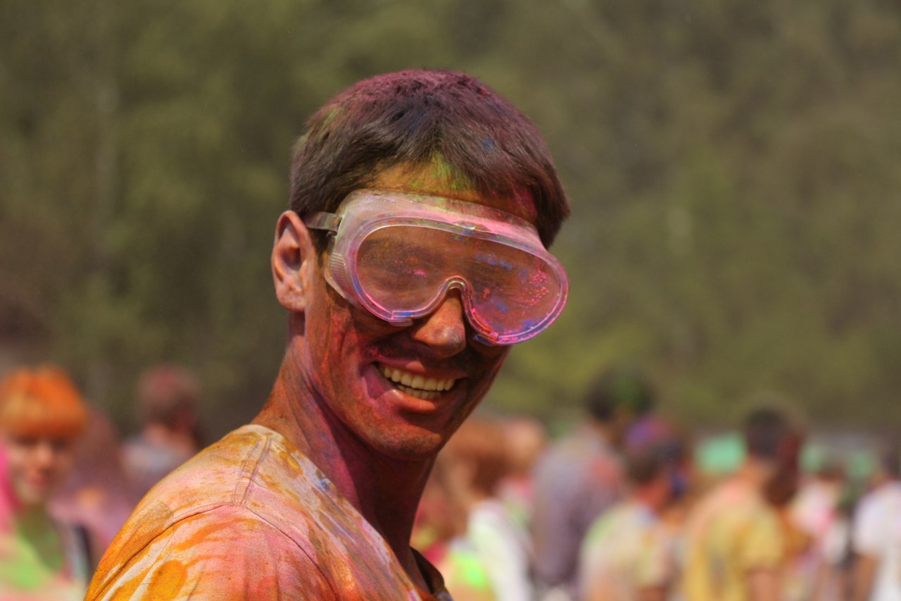 Bright summer: The festival of colours Holi in the capital of Ukraine - 34