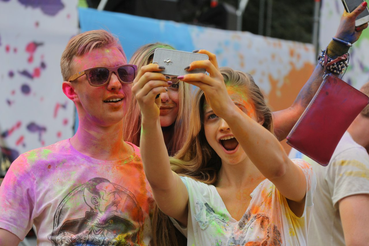 Bright summer: The festival of colours Holi in the capital of Ukraine - 35