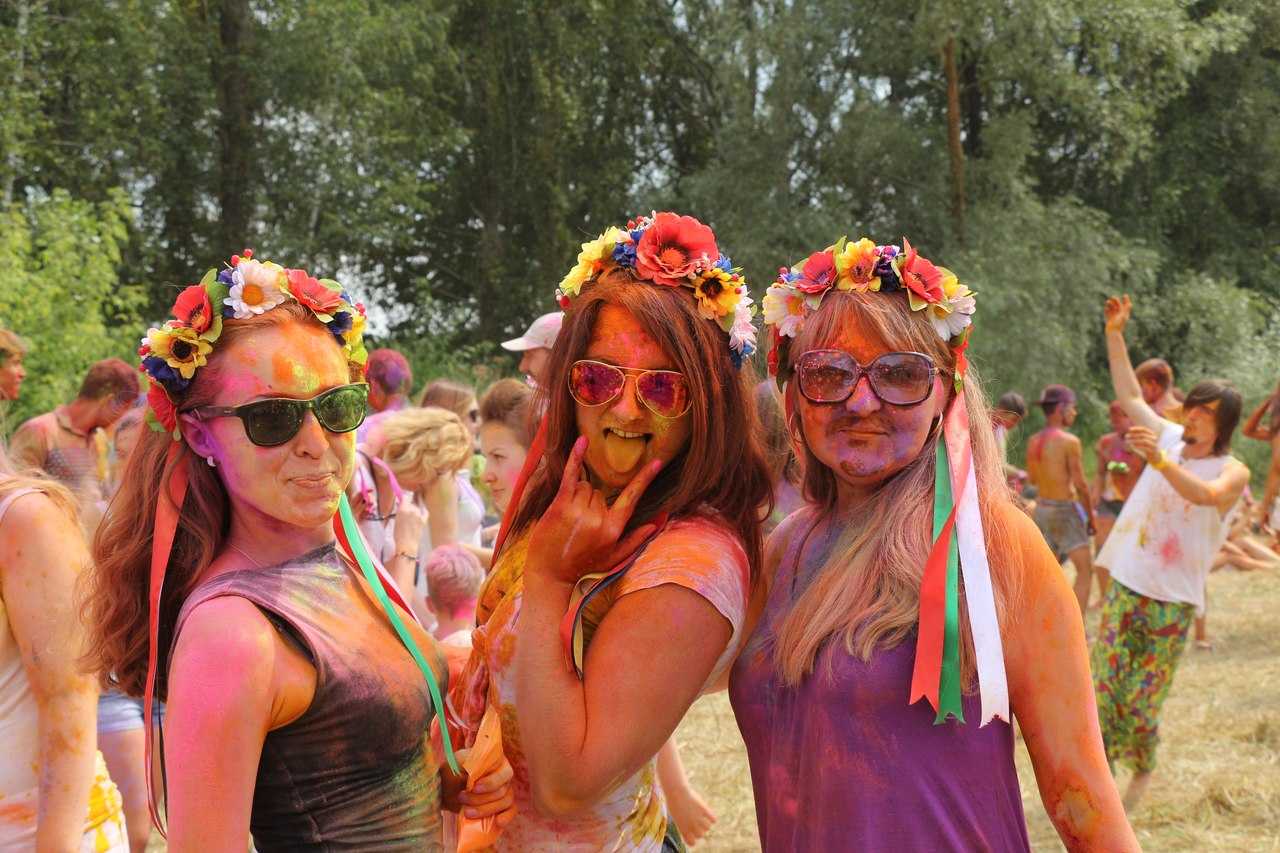 Bright summer: The festival of colours Holi in the capital of Ukraine - 41