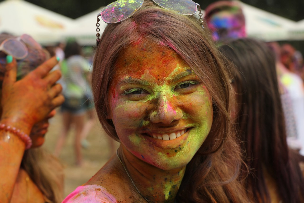 Bright summer: The festival of colours Holi in the capital of Ukraine - 42