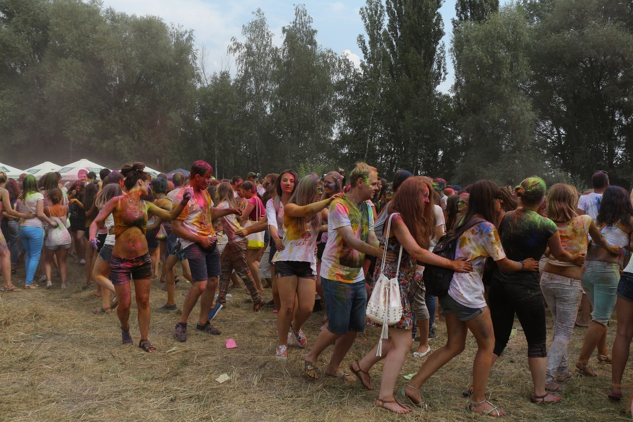 Bright summer: The festival of colours Holi in the capital of Ukraine - 43