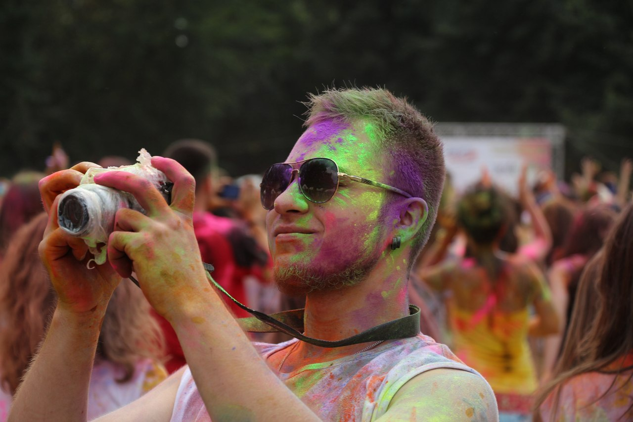 Bright summer: The festival of colours Holi in the capital of Ukraine - 48