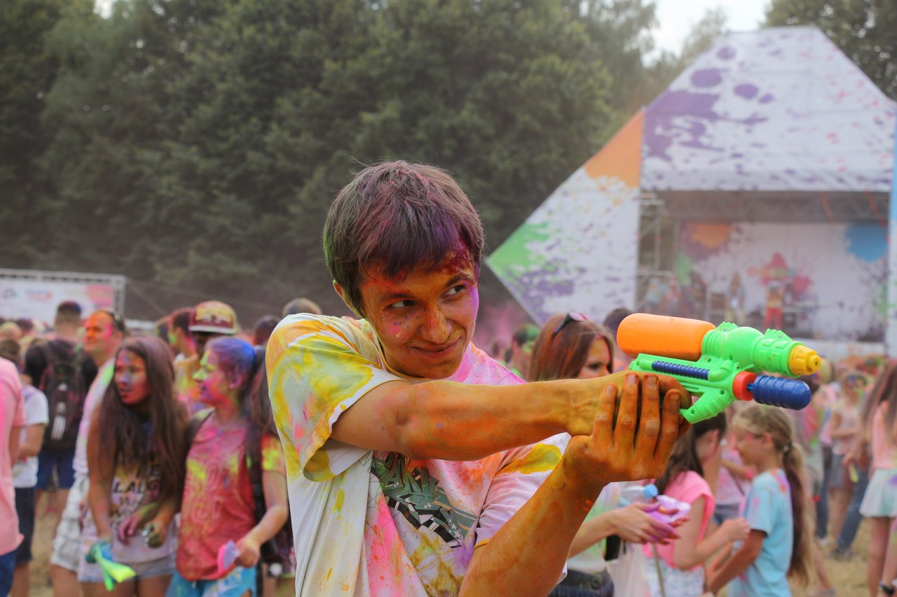 Bright summer: The festival of colours Holi in the capital of Ukraine - 51