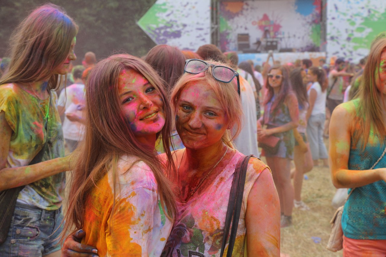 Bright summer: The festival of colours Holi in the capital of Ukraine - 57