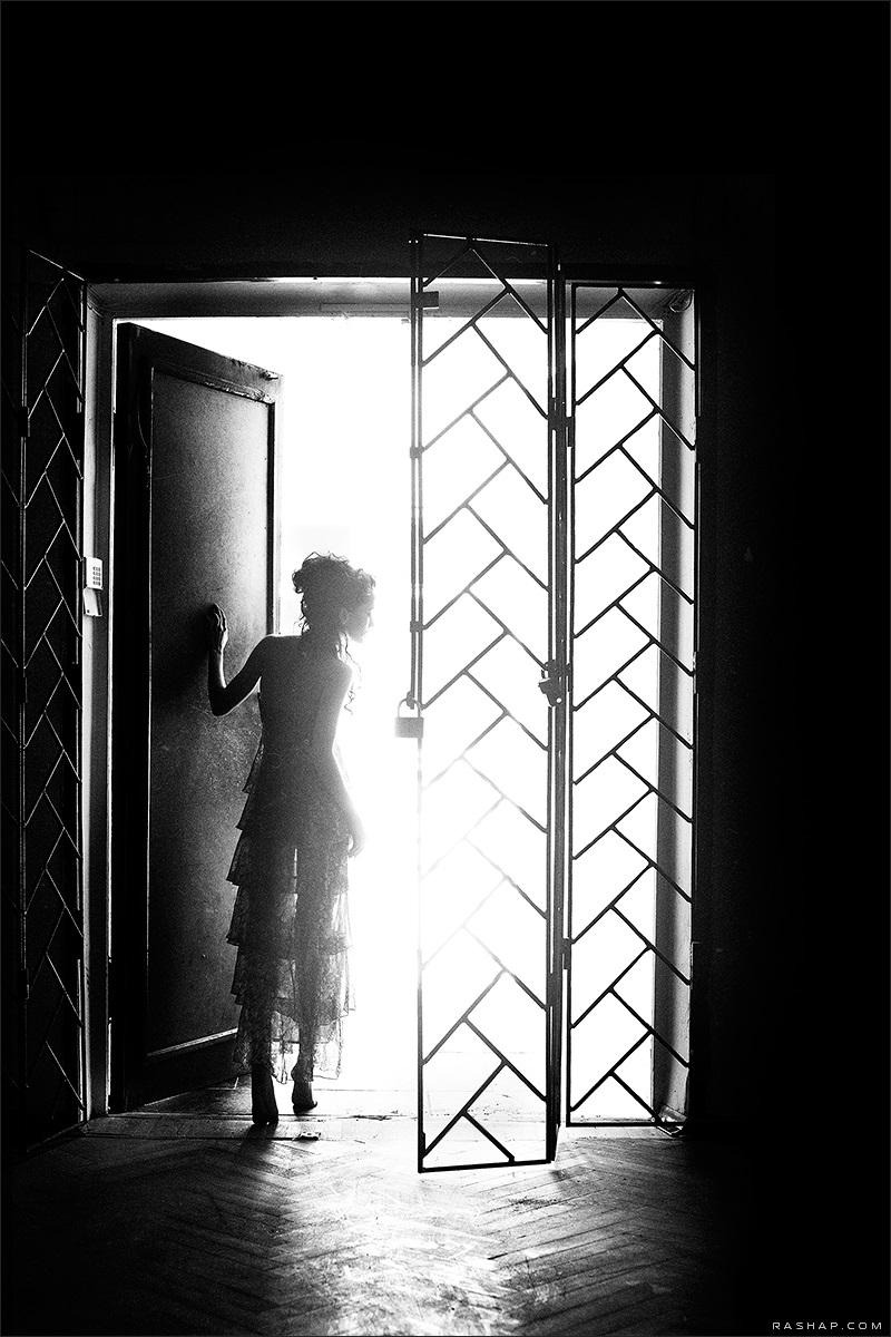 Charming black & white pictures by a photographer Ilya Rashap - 11